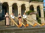 Alphornbläser Bayerische Rhön, Bayerisches Staatsbad Brückenau, Schlosspark, Alphornbläser, Kurort, Bäderland Bayerische Rhön